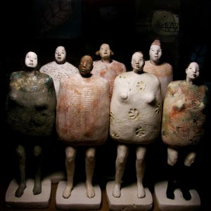 People, ceramics with glazes and engobes, 22-24 cm